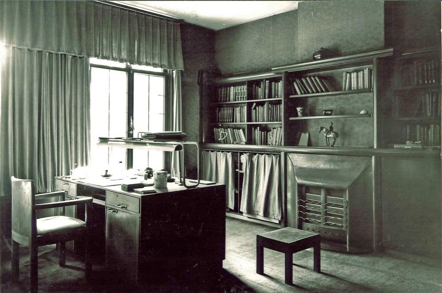interieur van een studeerkamer 1920 hart amsterdammuseum