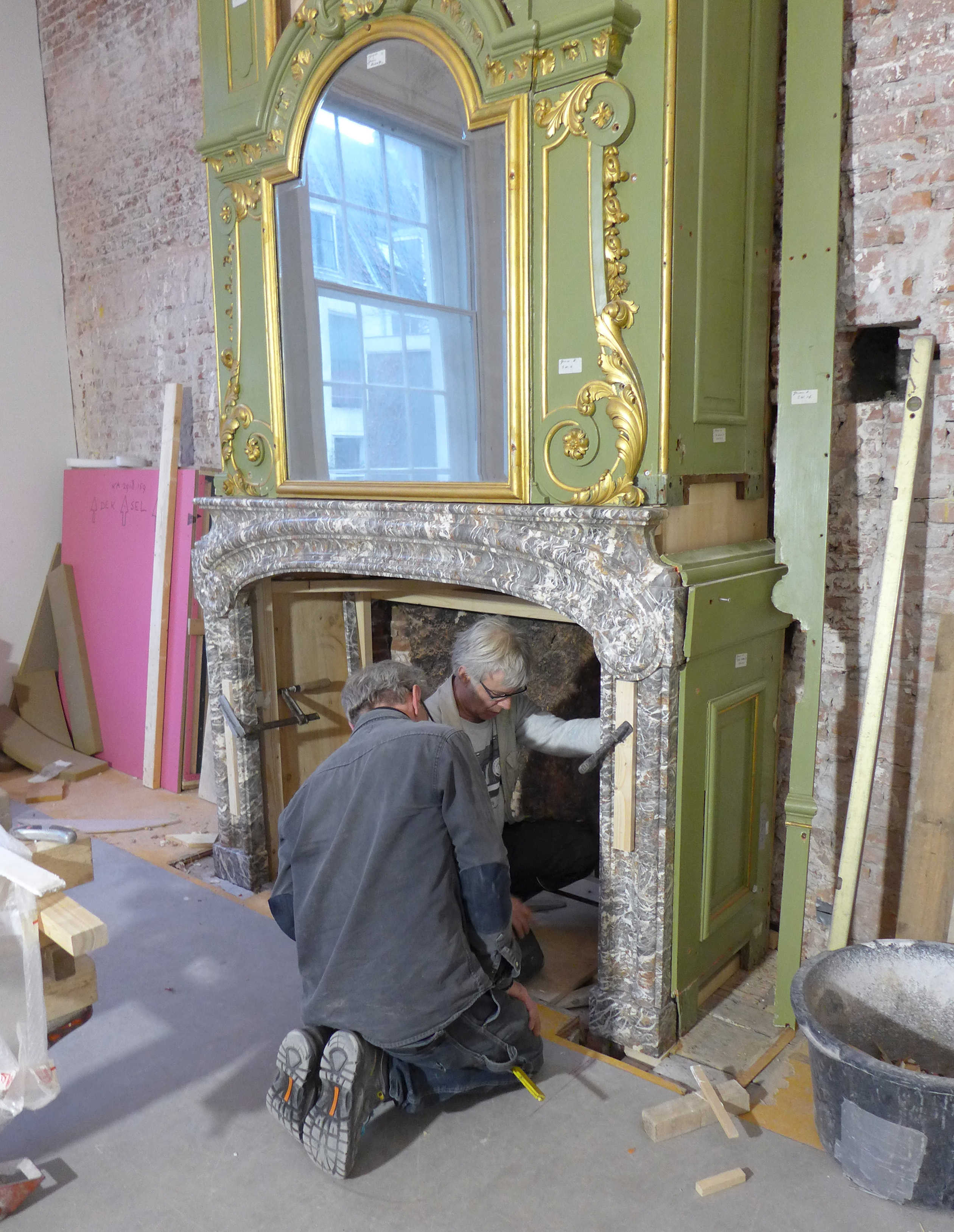 Opbouw schoorsteenmantel Groene Kamer